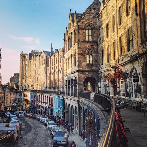 ESTJ ISFJ compatibility: Edinburgh streets