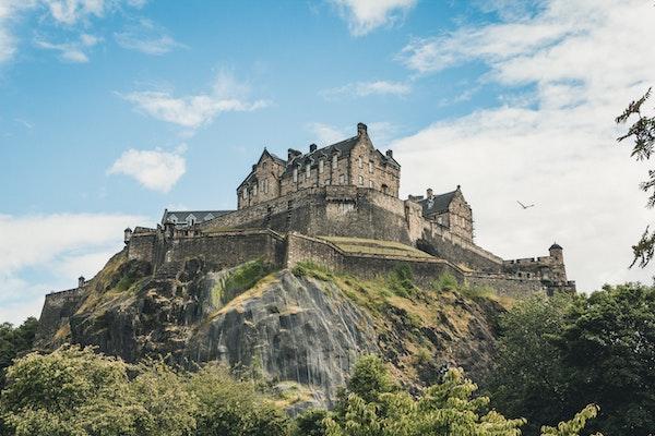 ISFJ ESTJ relationship: Edinburgh castle